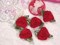 L27 Set of 5 Red Ribbon Rose Appliques