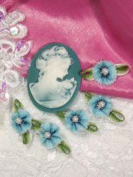 L40 Set of 5 Blue Ombre Rose Pearl Orchid Applique