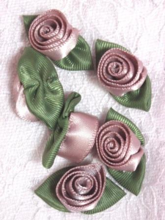 L51  Set of ( 6 ) Mauve Ribbon Rose Flower Appliques
