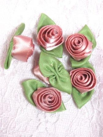L51  Set of ( 6 ) Rose Ribbon Rose Flower Appliques