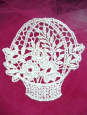 L7 White Venice Lace Floral Basket Applique