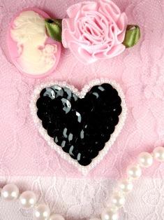 "MS45 Black White Heart Beaded Sequin Applique 1.5"""