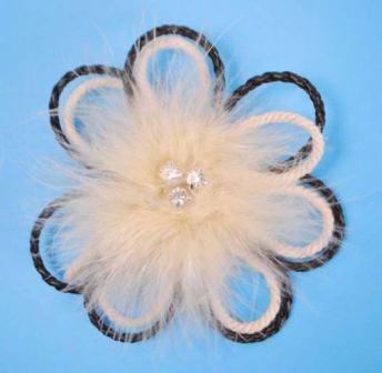 E3462   Ivory Rhinestone Victorian Feather Brooch / Applique