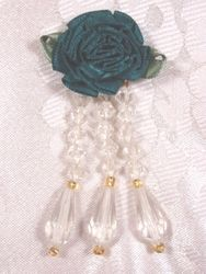 VD1  Hunter Green Ivory Floral Dangle Beaded Applique 3""
