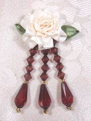 VD1 lvory Brown Dangle Beaded Applique 3""
