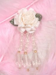 VD1  Ivory  Floral Dangle Beaded Applique 3""