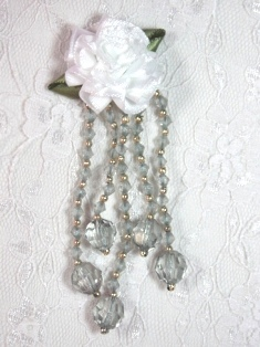 VD21 White Gray Floral Dangle Beaded Applique 3.75""