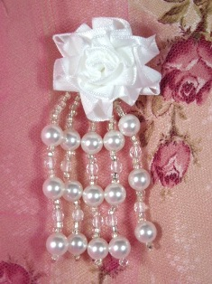 VD27  Floral White Pearl Dangle Beaded Applique 3.5""