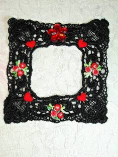 VG48  Black Red Venise Lace Picture Frame Applique 4""