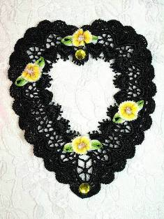 VG50  Black Yellow Picture Frame Venise Lace Heart Applique 4.5""
