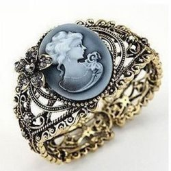 GB40 Antique Queen Cameo Floral Vintage Fashion Clasp Cuff Bangle Bracelet