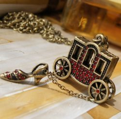 GB30 Vintage European Shoe & Carriage Red Jeweled Necklace Chain