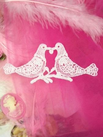 """L52  White Love Birds Venise Lace  Applique 4.75"""""""