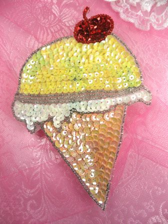 SA28 Reduced Ice Cream Applique Beaded Sequin